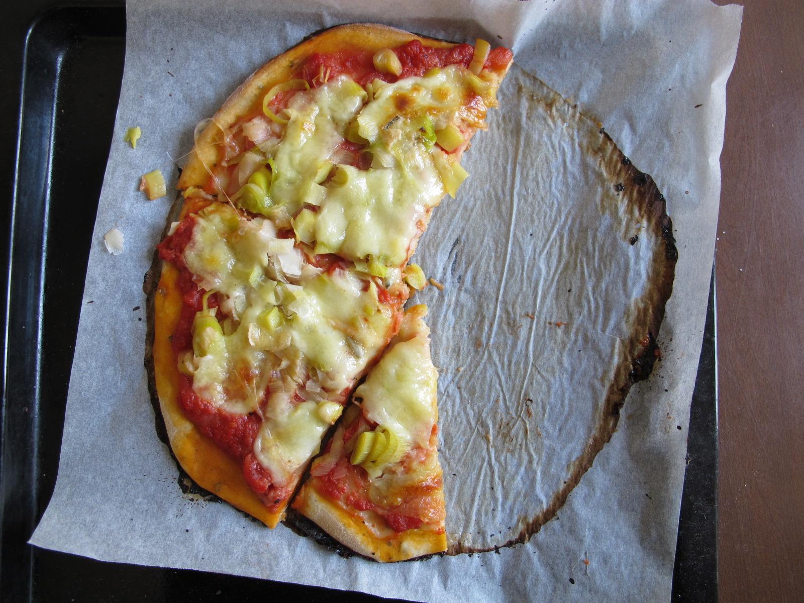 La pizza du dimanche, gorgonzola-poireaux!
