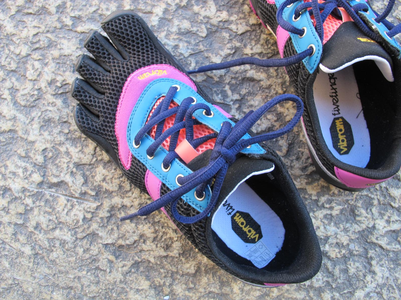 Doigts de pied en éventail et sportifs à la fois…