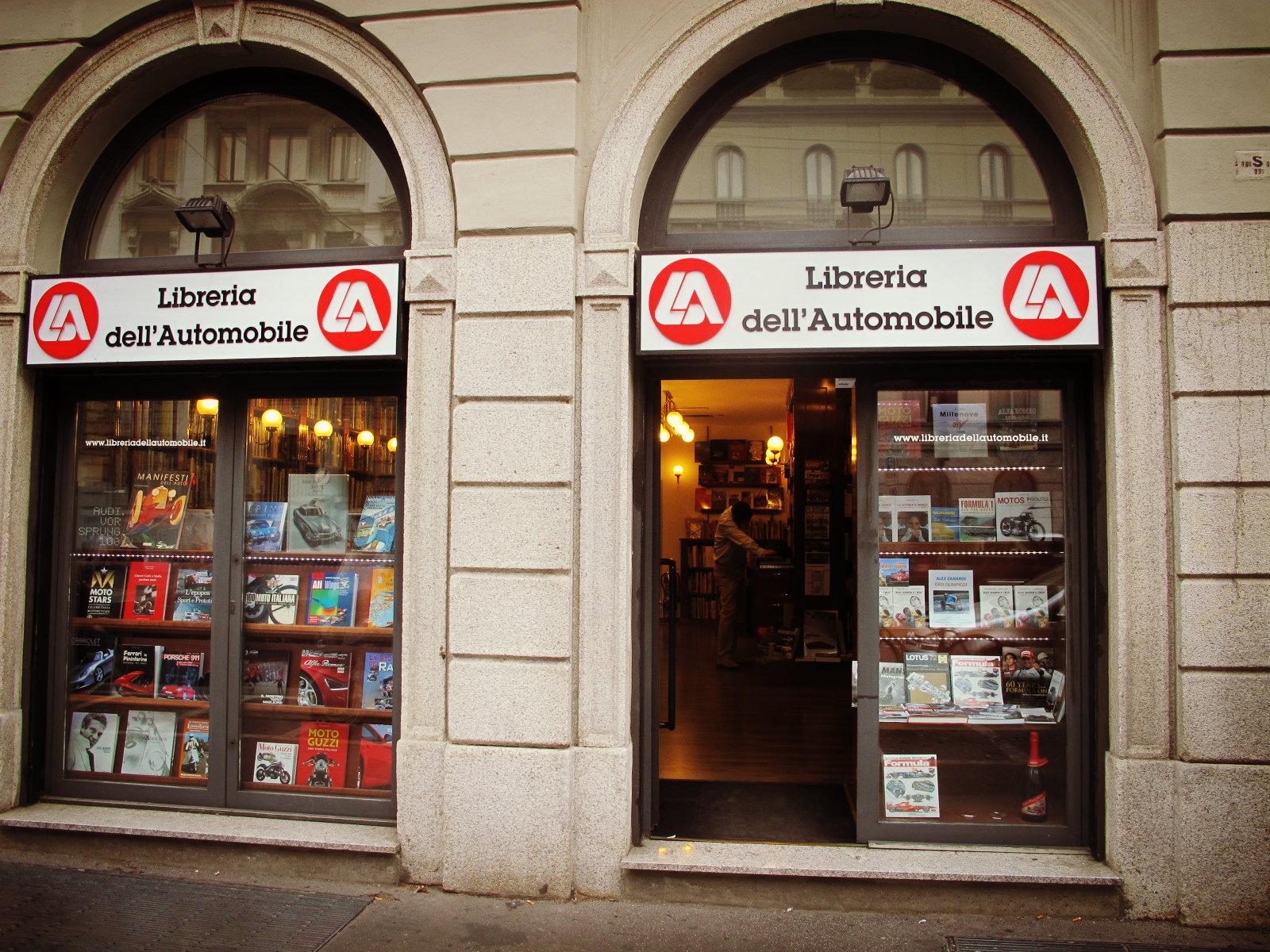La librairie de l'automobile à Milan