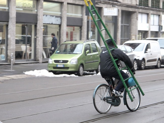 vieux métiers italie laveur de vitres à vélo