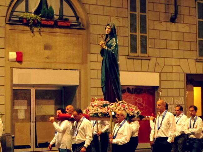 procession madone italie