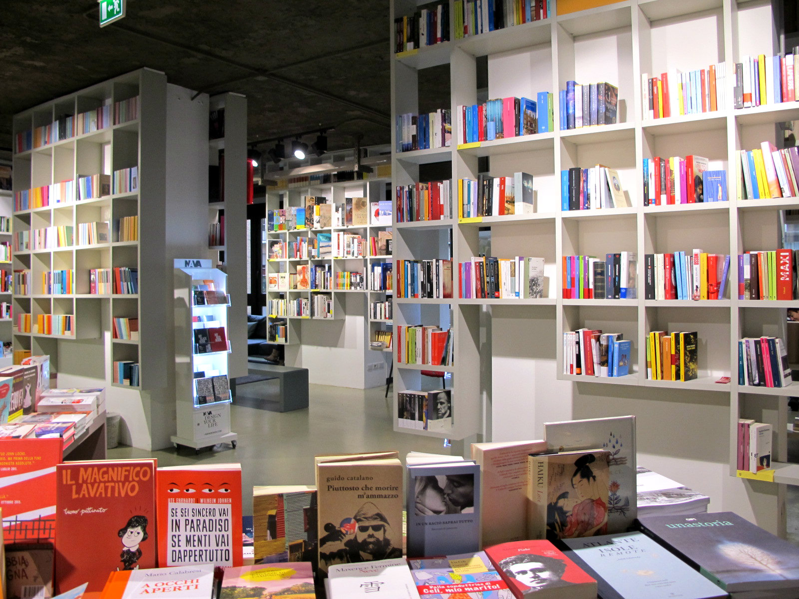 Open, un bureau-librairie qui pousse à la rêverie!