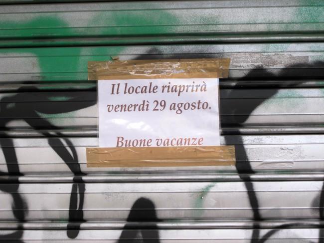 août milan boutiques fermées