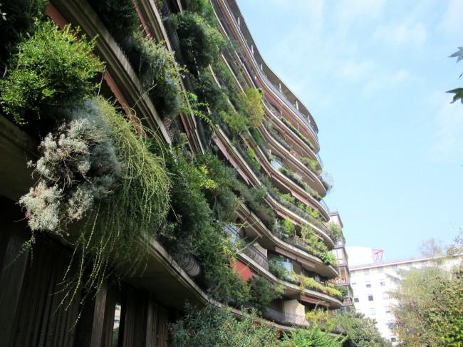 architecture milan via carlo crivelli